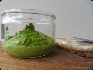 Spinat Mandel Pesto im Glas